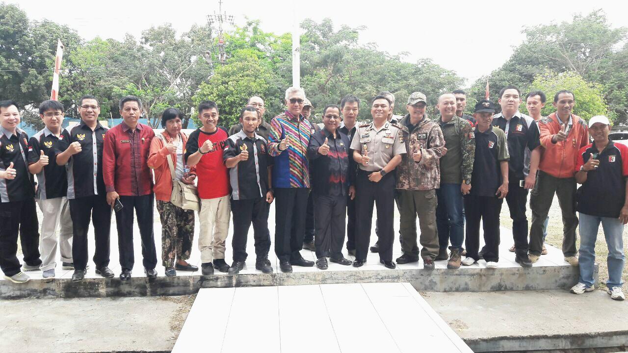 Pelaporan kehadiran Tim Baksos dan Safari Berburu NTB 2017 pada Wakil Bupati Bima, Drs H. Dahlan H.M Noer beserta Kapolresta Kabupaten Bima AKBP Eka Faturrahman di Kantor Kabupaten Bima.